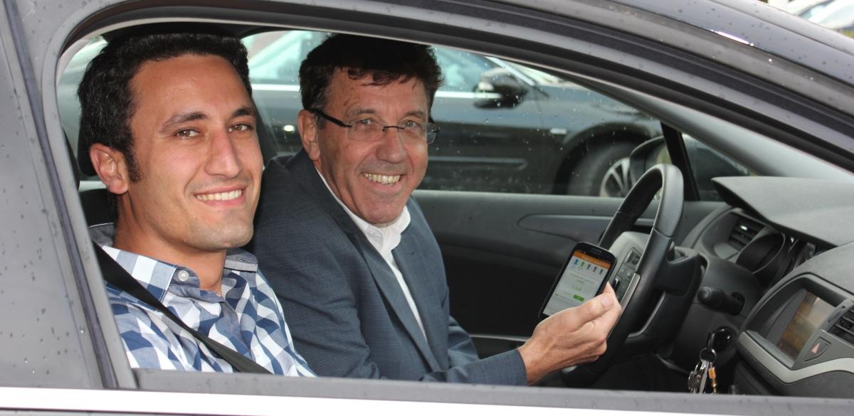 Wassim et Jean-Pierre pendant un covoiturage pour aller au travail